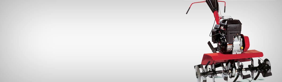 Motosapa T/380 - Cultivare sol - Motosapa MTD oferita de Gardenpedia beneficiaza de freze care se rotesc in directii opuse, pentru a realiza astfel o mai buna maruntire a pamantului. Transmisia se realizeaza pe lant cu carcasa protectoare pentru a facilita o utilizare de durata fara nevoia de reparatie.Frezele sunt tratate termic si ascutite, realizate din metal rezistent pentru a asigura maruntirea celui mai tare pamant. Adancimea de lucru pentru aceasta motosapa este reglabila (pana la 18 cm/7'') si ajuta la stabilitatea motosapei si a reglarii vitezei de lucru. Motorul este marca Briggs amp; Stratton 800 Series - OHV, 205 cm3, pe benzina, in 4 timpi, racit cu aer. Puterea acestuia este de 3100W, iar turatia de 3600rpm. Volumul rezervorului de benzina este de 2,2L. Produsul este echipat cu 6 freze, cu diametrul de 305mm, si 137rpm. De asemenea, motosapa mai beneficiaza si de roata de transport si disc pentru protectia plantelor. Doua viteze inainte si una inapoi asigura functionalitatea acestui utilaj, aria acoperita de el fiind de 2000mp. nbsp;